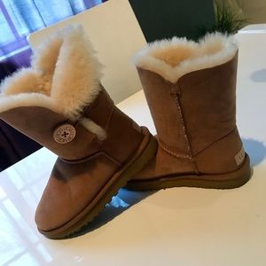 Women's UGG Ankle Boots 💕